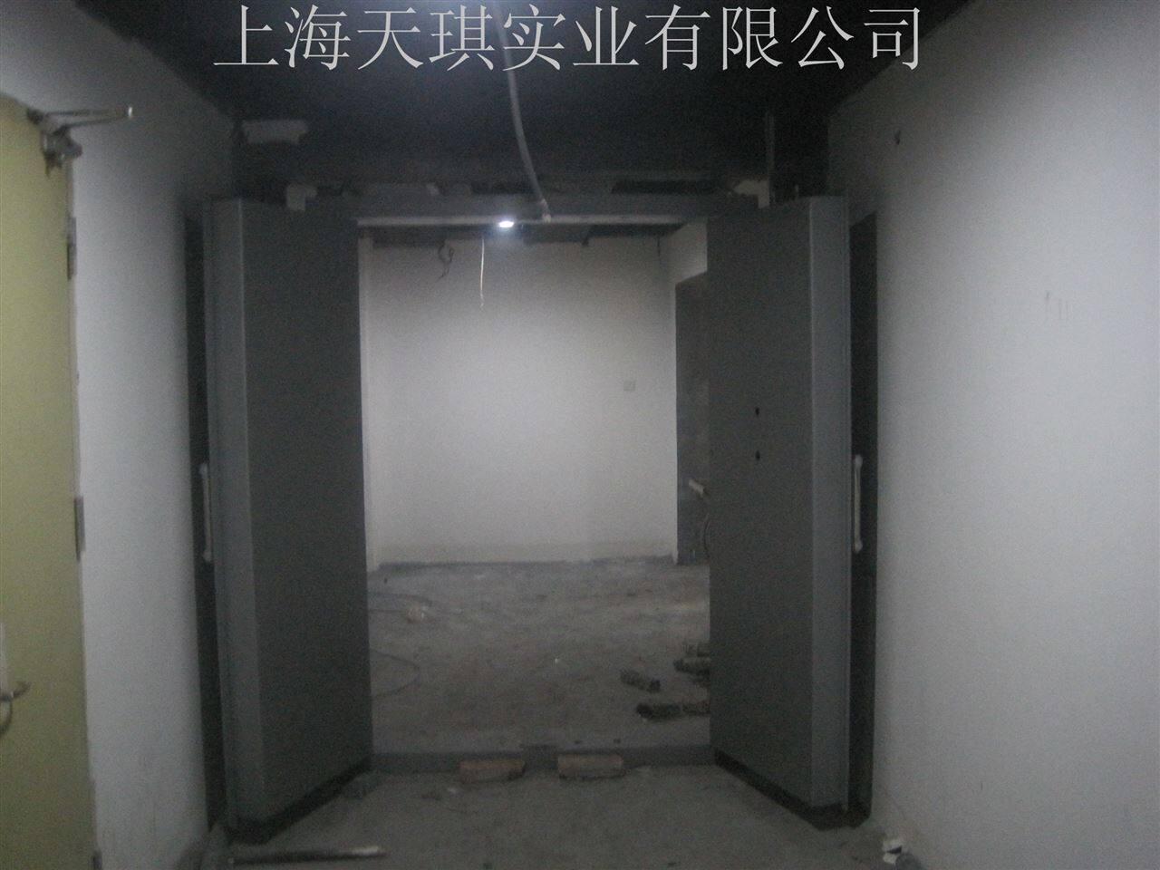 珠宝店金库门